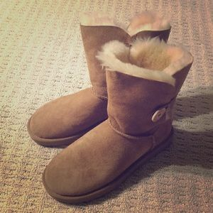 NEW Ugg Bailey Button suede/shearling boots sz 8